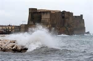 METEO: UNA PERTUBAZIONE ATLANTICA STA INVESTENDO L'ITALIA CON MARE AGITATO