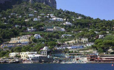 CAPRI – SECONDO TRIPADVISOR,  MARINA PICCOLA TRA LE PRIME 10 SPIAGGE PIÙ BELLE D'ITALIA