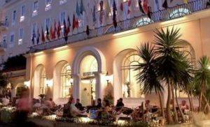CAPRI: CON L'ALZABANDIERA ALL'HOTEL QUISISANA PARTE LA NUOVA STAGIONE TURISTICA