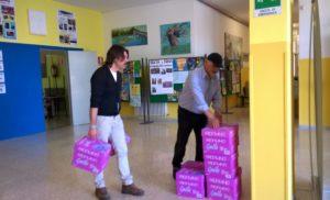 Massa Lubrense- 45 tonnellate di indumenti dismessi raccolti nei contenitori gialli situati nei cortili delle scuole, è il bilancio della campagna di raccolta promossa dall'Assessorato all'Ecologia e da Terra delle Sirene il ricavato è andato ai due Istituti scolastici di Massa Lubrense.