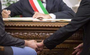 UNIONI CIVILI: VALENTE, LE DIFENDEREMO A ROMA E A SORRENTO