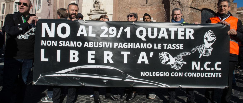 """META – DOPO IL NO DEL GOVERNO """"GIALLO-VERDE"""", IL COMUNE BLOCCA IL RILASCIO DI NUOVE LICENZE """"NCC""""."""