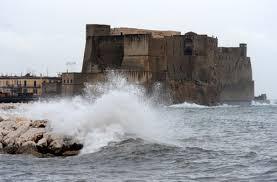 METEO – Forte vento, a Napoli domani scuole chiuse dopo avviso criticità Protezione Civile
