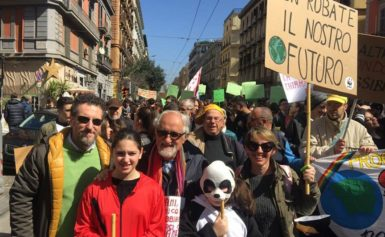 SCIOPERO CLIMA: DALLA PENISOLA SORRENTINA  I RAGAZZI DEL WWF YOUNG AL CORTEO DI NAPOLI