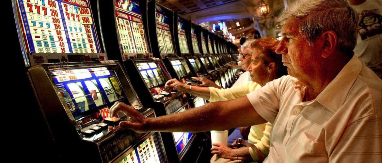 Usura e gioco d'azzardo, boom a Castellammare e a Sorrento La Fondazione Exodus '94 ne discute con esperti e addetti ai lavori