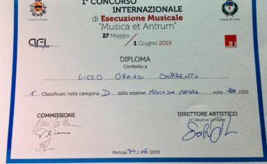 """PERTOSA: INCETTA DI PREMI PER IL LICEO MUSICALE GRANDI AL 1^ CONCORSO INTERNAZIONALE DI ESECUZIONE MUSICALE """"MUSICA ET ANTRUM"""""""
