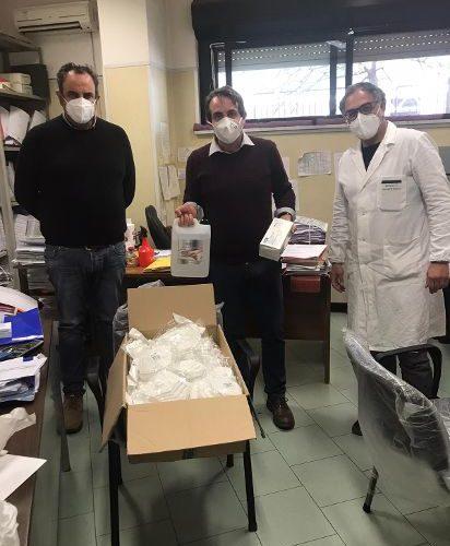 RACCOLTA FONDI OSPEDALE DI SORRENTO: CONSEGNATE 500 MASCHERINE E 100 CAMICI
