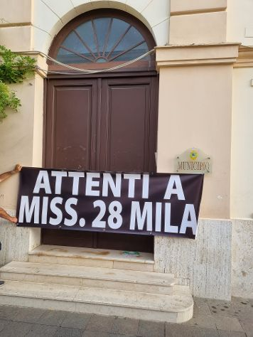 SANT'AGNELLO: CONCORSO PER ISTRUTTORI DIRETTIVI, ATTENTI A MISS 28 MILA ,
